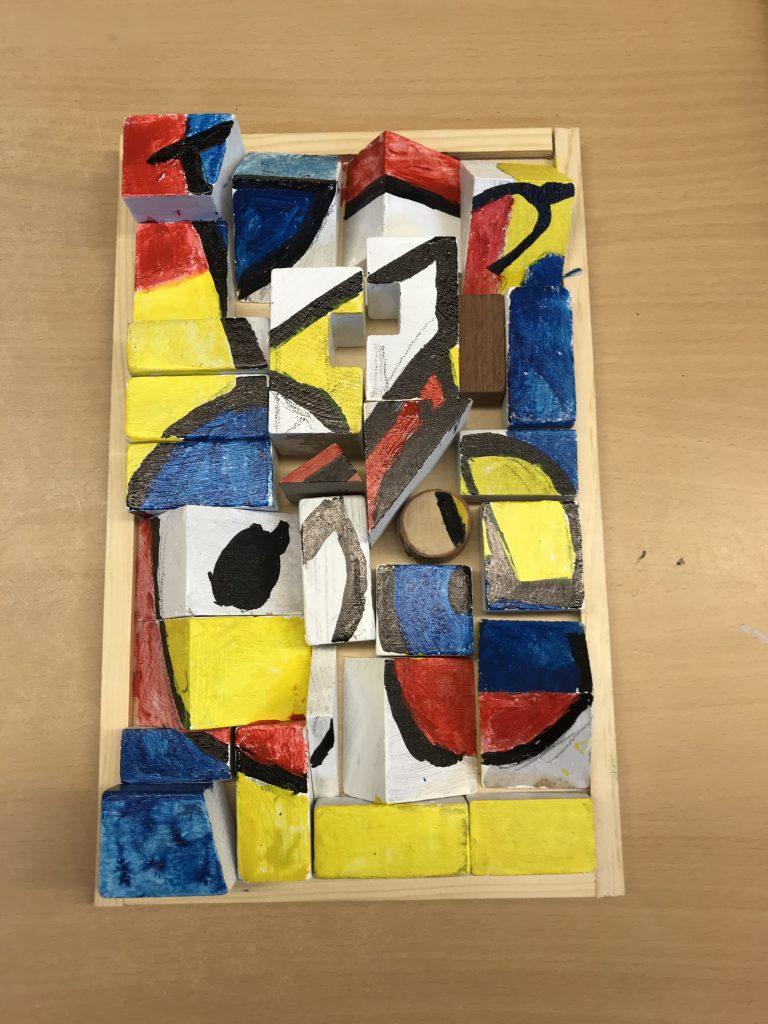 Ein Puzzle aus Holz